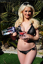Celebrity Photo: Holly Madison 2100x3150   844 kb Viewed 818 times @BestEyeCandy.com Added 1659 days ago