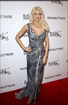 Celebrity Photo: Holly Madison 1950x3000   688 kb Viewed 109 times @BestEyeCandy.com Added 1621 days ago