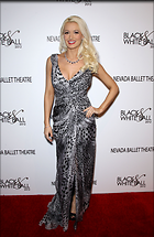 Celebrity Photo: Holly Madison 1950x3000   656 kb Viewed 142 times @BestEyeCandy.com Added 1684 days ago