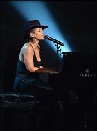 Celebrity Photo: Alicia Keys 2209x3000   990 kb Viewed 72 times @BestEyeCandy.com Added 1065 days ago