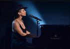 Celebrity Photo: Alicia Keys 2490x1759   537 kb Viewed 65 times @BestEyeCandy.com Added 1065 days ago
