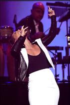 Celebrity Photo: Alicia Keys 1996x3000   1.2 mb Viewed 60 times @BestEyeCandy.com Added 1076 days ago