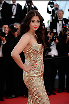 Celebrity Photo: Aishwarya Rai 2358x3543   649 kb Viewed 220 times @BestEyeCandy.com Added 989 days ago