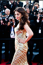 Celebrity Photo: Aishwarya Rai 2300x3450   928 kb Viewed 176 times @BestEyeCandy.com Added 989 days ago