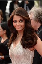 Celebrity Photo: Aishwarya Rai 2966x4448   1.2 mb Viewed 95 times @BestEyeCandy.com Added 929 days ago
