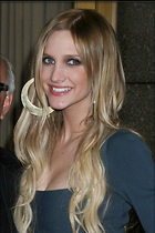 Celebrity Photo: Ashlee Simpson 800x1200   84 kb Viewed 99 times @BestEyeCandy.com Added 1076 days ago