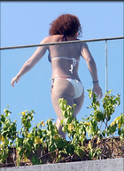 Celebrity Photo: Alicia Keys 710x980   190 kb Viewed 328 times @BestEyeCandy.com Added 1018 days ago