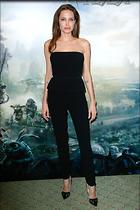 Celebrity Photo: Angelina Jolie 2000x3000   955 kb Viewed 213 times @BestEyeCandy.com Added 1091 days ago