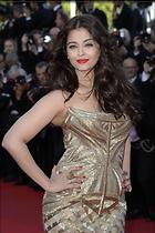 Celebrity Photo: Aishwarya Rai 2034x3055   928 kb Viewed 141 times @BestEyeCandy.com Added 1028 days ago
