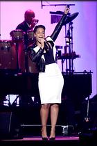 Celebrity Photo: Alicia Keys 1997x3000   1.2 mb Viewed 63 times @BestEyeCandy.com Added 1076 days ago