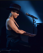 Celebrity Photo: Alicia Keys 1506x1846   380 kb Viewed 73 times @BestEyeCandy.com Added 1065 days ago