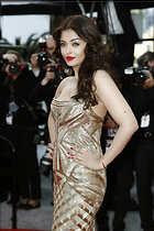 Celebrity Photo: Aishwarya Rai 1417x2126   420 kb Viewed 188 times @BestEyeCandy.com Added 989 days ago