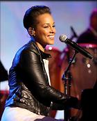 Celebrity Photo: Alicia Keys 2420x3000   1,059 kb Viewed 65 times @BestEyeCandy.com Added 1076 days ago