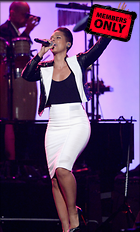 Celebrity Photo: Alicia Keys 1813x3000   3.0 mb Viewed 14 times @BestEyeCandy.com Added 1076 days ago