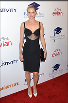 Celebrity Photo: Amber Valletta 2100x3150   471 kb Viewed 96 times @BestEyeCandy.com Added 958 days ago