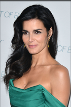 Celebrity Photo: Angie Harmon 1667x2500   415 kb Viewed 237 times @BestEyeCandy.com Added 678 days ago