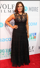 Celebrity Photo: Mariska Hargitay 1787x3000   531 kb Viewed 350 times @BestEyeCandy.com Added 640 days ago