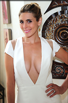 Celebrity Photo: Jamie Lynn Sigler 2400x3600   773 kb Viewed 804 times @BestEyeCandy.com Added 3 years ago