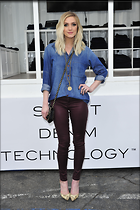 Celebrity Photo: Ashlee Simpson 2100x3150   709 kb Viewed 89 times @BestEyeCandy.com Added 827 days ago