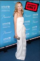 Celebrity Photo: Heather Graham 2400x3600   2.6 mb Viewed 8 times @BestEyeCandy.com Added 1004 days ago