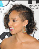 Celebrity Photo: Alicia Keys 1950x2400   653 kb Viewed 159 times @BestEyeCandy.com Added 443 days ago