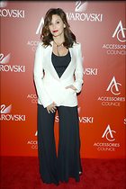 Celebrity Photo: Gina Gershon 2100x3150   632 kb Viewed 45 times @BestEyeCandy.com Added 168 days ago
