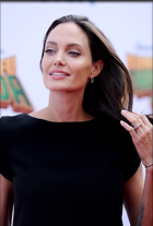 Celebrity Photo: Angelina Jolie 2564x3784   949 kb Viewed 214 times @BestEyeCandy.com Added 662 days ago