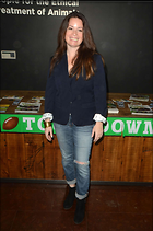 Celebrity Photo: Holly Marie Combs 1470x2219   198 kb Viewed 154 times @BestEyeCandy.com Added 427 days ago