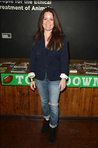 Celebrity Photo: Holly Marie Combs 1470x2219   199 kb Viewed 139 times @BestEyeCandy.com Added 427 days ago