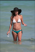 Celebrity Photo: Josie Maran 933x1400   203 kb Viewed 282 times @BestEyeCandy.com Added 980 days ago