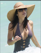 Celebrity Photo: Bethenny Frankel 2400x3079   431 kb Viewed 193 times @BestEyeCandy.com Added 1046 days ago