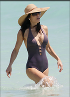 Celebrity Photo: Bethenny Frankel 2400x3313   430 kb Viewed 177 times @BestEyeCandy.com Added 1046 days ago