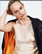 Celebrity Photo: Amber Valletta 11 Photos Photoset #320409 @BestEyeCandy.com Added 711 days ago