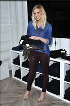 Celebrity Photo: Ashlee Simpson 2100x3150   646 kb Viewed 91 times @BestEyeCandy.com Added 827 days ago