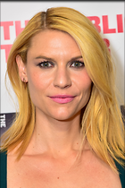 Celebrity Photo: Claire Danes 2400x3600   1.2 mb Viewed 128 times @BestEyeCandy.com Added 754 days ago