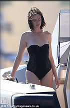 Celebrity Photo: Anne Hathaway 306x474   36 kb Viewed 318 times @BestEyeCandy.com Added 828 days ago