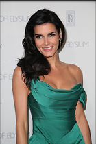 Celebrity Photo: Angie Harmon 1667x2500   385 kb Viewed 116 times @BestEyeCandy.com Added 678 days ago