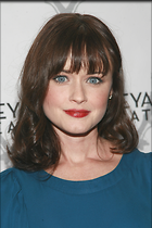 Celebrity Photo: Alexis Bledel 2400x3600   912 kb Viewed 521 times @BestEyeCandy.com Added 1078 days ago