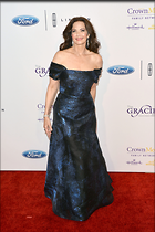 Celebrity Photo: Lynda Carter 2100x3150   779 kb Viewed 14 times @BestEyeCandy.com Added 17 days ago