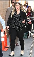 Celebrity Photo: Kelly Clarkson 1200x1977   435 kb Viewed 106 times @BestEyeCandy.com Added 250 days ago
