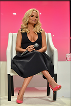 Celebrity Photo: Kristin Chenoweth 683x1024   121 kb Viewed 144 times @BestEyeCandy.com Added 152 days ago