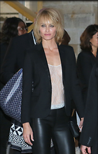 Celebrity Photo: Amber Valletta 7 Photos Photoset #345138 @BestEyeCandy.com Added 507 days ago