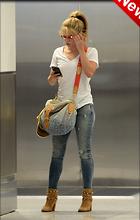 Celebrity Photo: Shakira 1200x1886   295 kb Viewed 18 times @BestEyeCandy.com Added 2 days ago