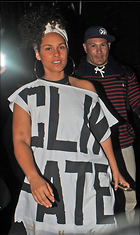 Celebrity Photo: Alicia Keys 5 Photos Photoset #323414 @BestEyeCandy.com Added 601 days ago