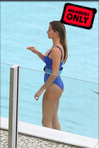 Celebrity Photo: Gisele Bundchen 2132x3200   1.9 mb Viewed 1 time @BestEyeCandy.com Added 21 days ago