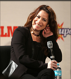 Celebrity Photo: Holly Marie Combs 1200x1327   123 kb Viewed 108 times @BestEyeCandy.com Added 304 days ago