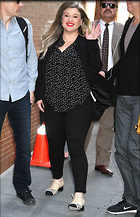 Celebrity Photo: Kelly Clarkson 1200x1863   411 kb Viewed 81 times @BestEyeCandy.com Added 250 days ago