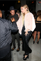 Celebrity Photo: Ashlee Simpson 1200x1800   251 kb Viewed 13 times @BestEyeCandy.com Added 93 days ago