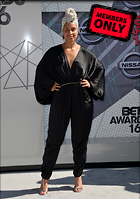 Celebrity Photo: Alicia Keys 3510x5000   2.0 mb Viewed 8 times @BestEyeCandy.com Added 647 days ago