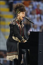 Celebrity Photo: Alicia Keys 1200x1800   207 kb Viewed 68 times @BestEyeCandy.com Added 688 days ago